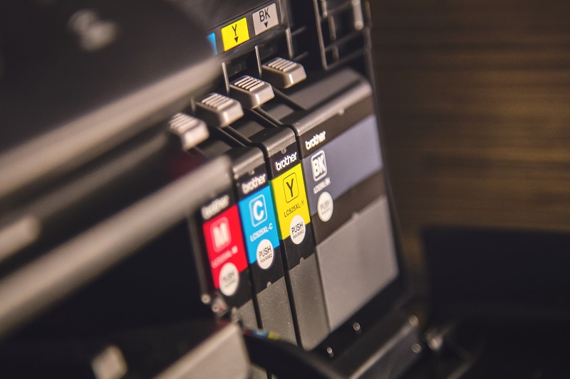 Die erneuten Tintenpatronen für den Drucker sind nicht das selbe wie zu Hause nachgefüllte Produkte